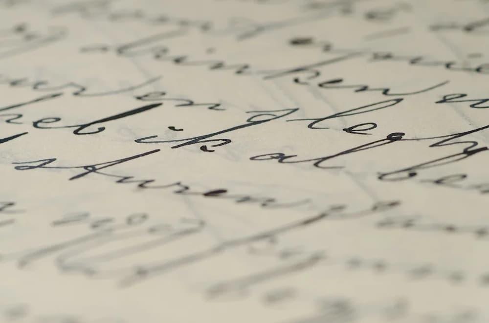 letras-em-um-papel